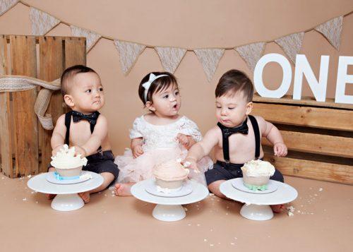 Cake-smash-3-babies-rustic-newborn-photography-sydney