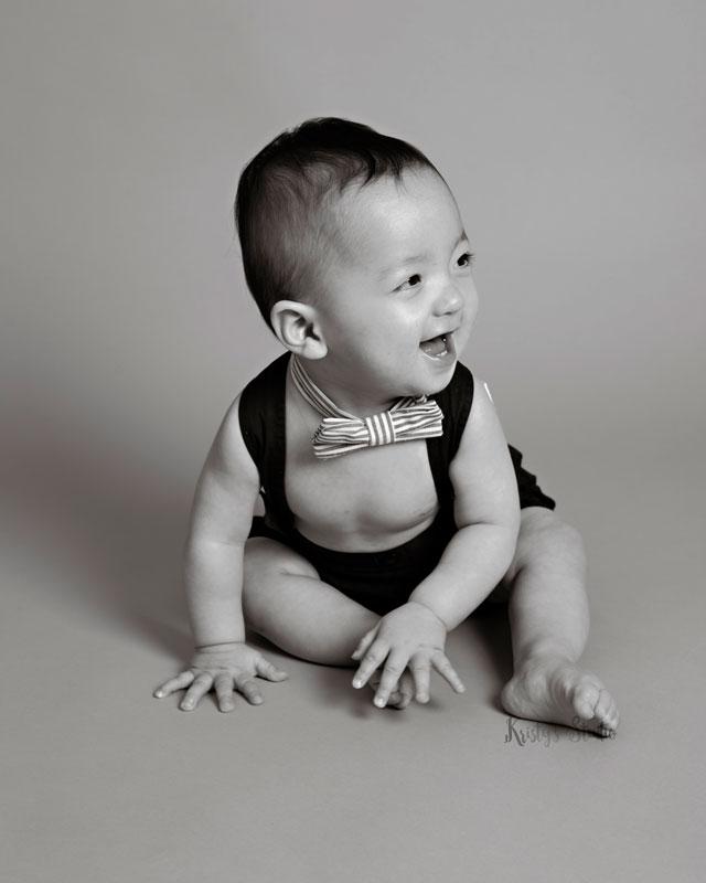 cake-smash-boy-bow-tie-black-and-white Baby Photography Sydney