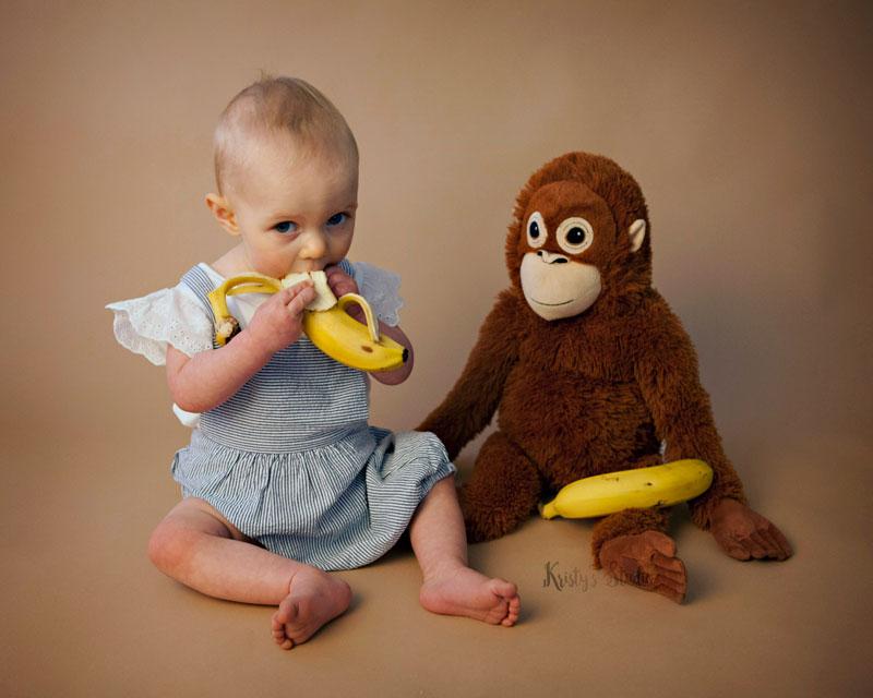 cake-smash-girl-monkey-banana Baby Photography Sydney