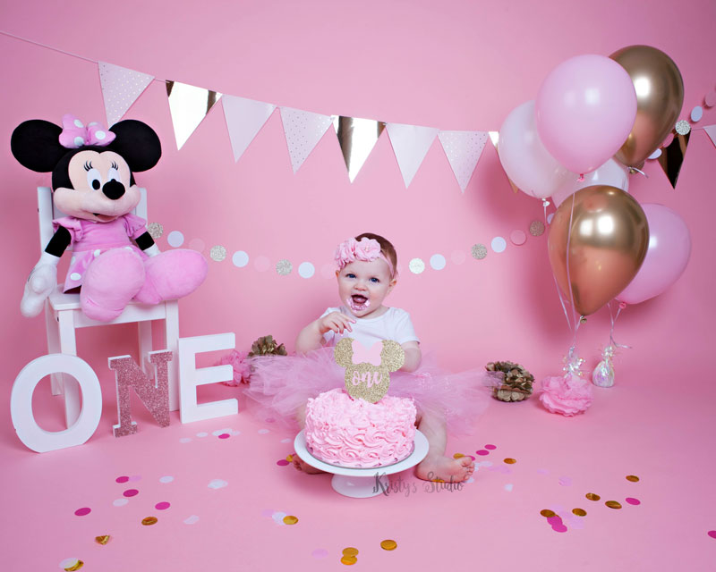 cake-smash-girl-pink-disney-minnie-mouse Baby Photography Sydney