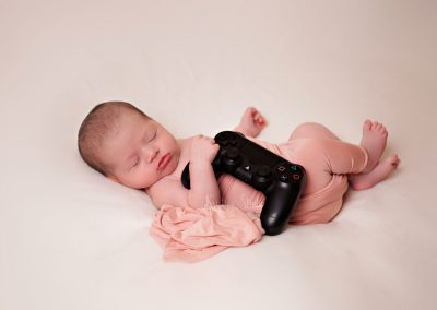 newborn-girl-playstation-newborn-photography-sydney