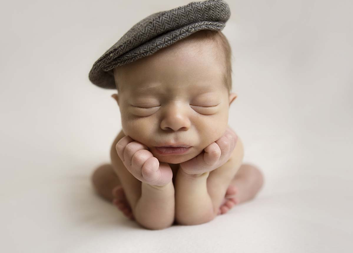 Newborn-baby-girl-smiling-newborn-photography-sydney