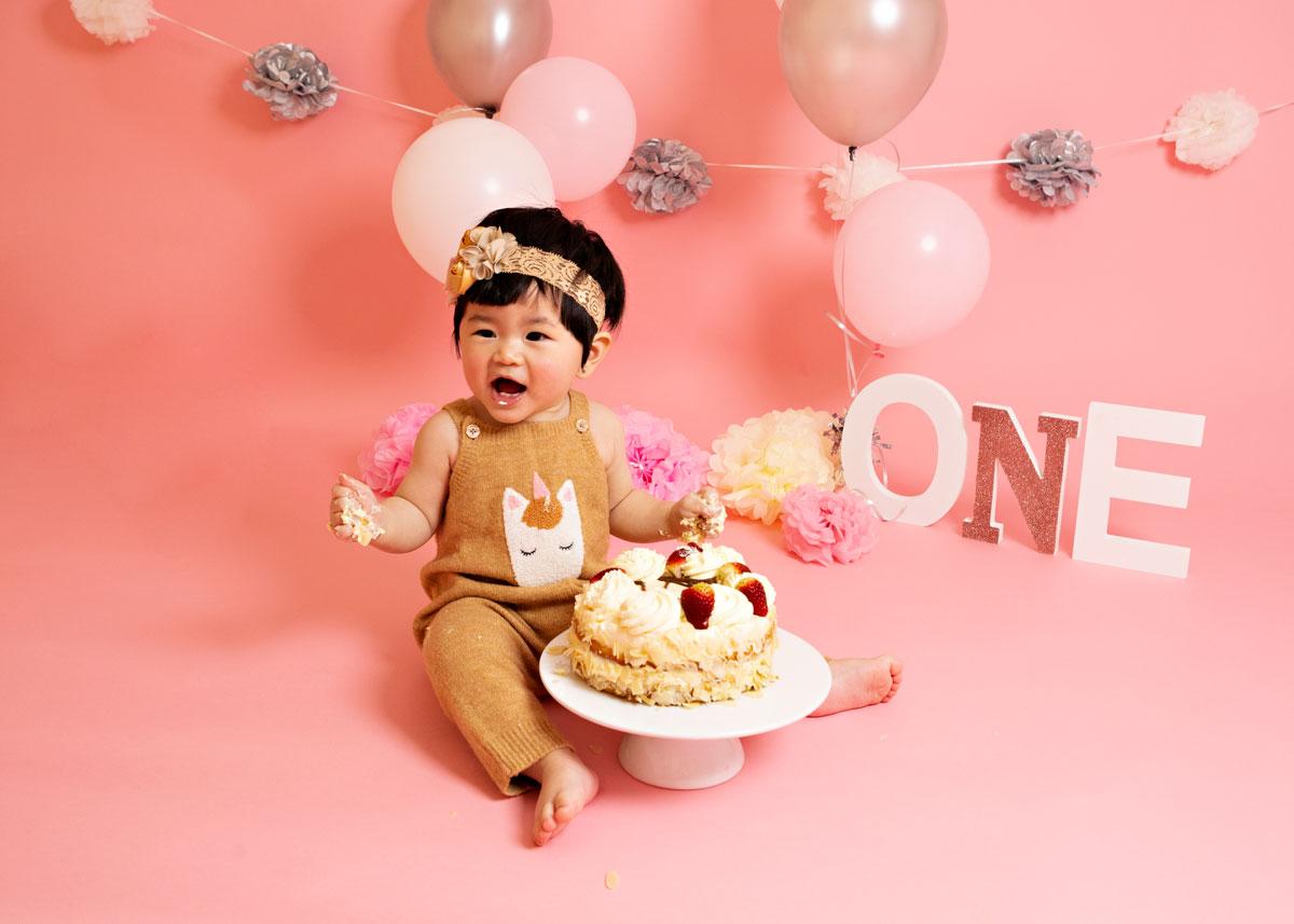 Pink-girl-cake-smash-silver-3