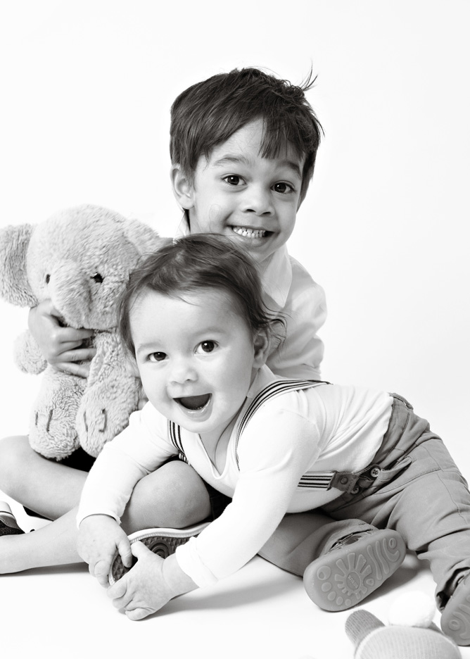 2-brothers-baby-boy-black-and-white