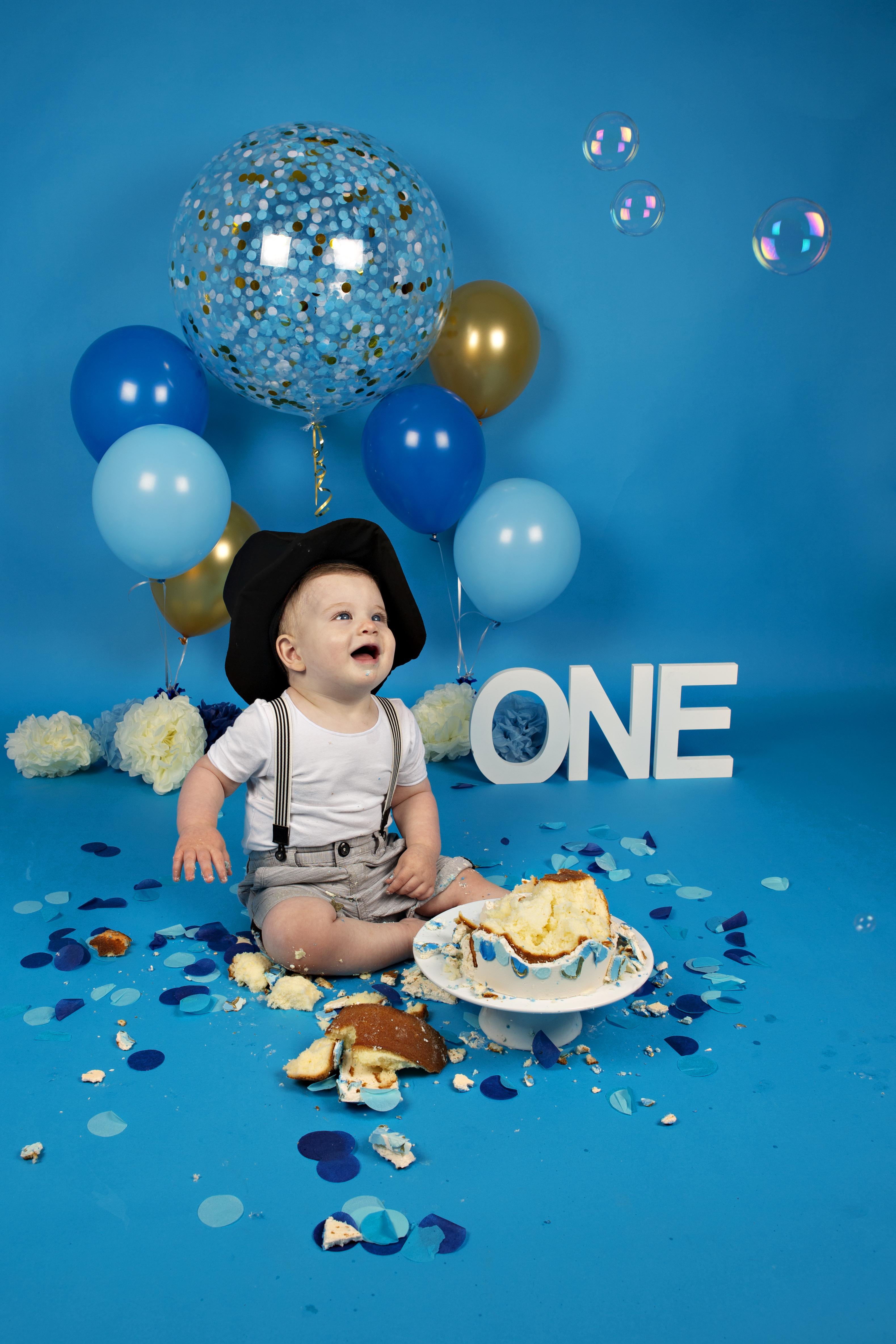 cake-smash-sitter-boy-blue-4